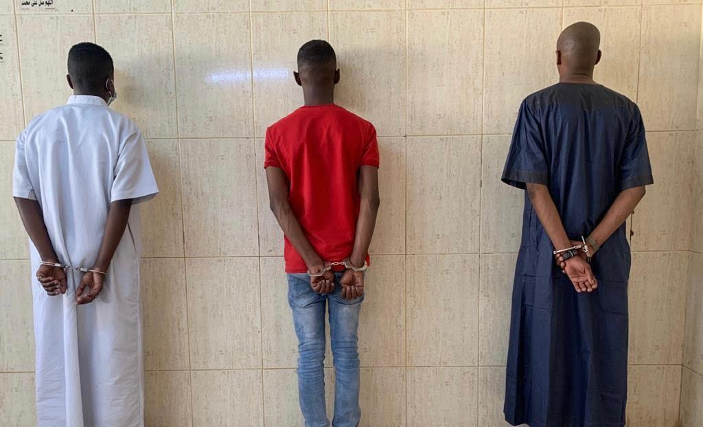 القبض على 3 أشخاص اعتدوا على مقيم بتبوك