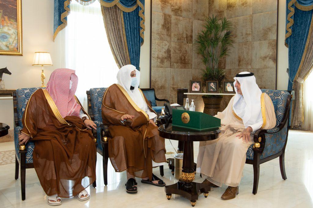 الأمير خالد الفيصل يدشن حملة مكارم الأخلاق