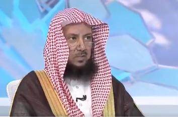 هل يجوز جمع الصلوات بسبب الحرج والمشقة؟.. عبدالسلام السليمان يجيب (فيديو)