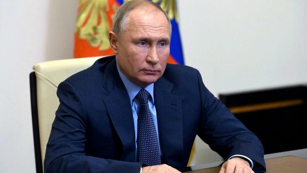 بعد لقائه بالأسد.. بوتين يعزل نفسه ذاتيًا عقب إصابة مقربين منه بفيروس كورونا