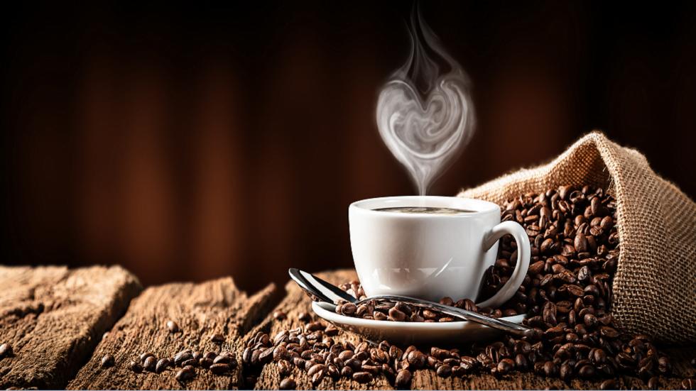 ما هو الوقت الأمثل لشرب القهوة دون الإضرار بصحة الجسم؟