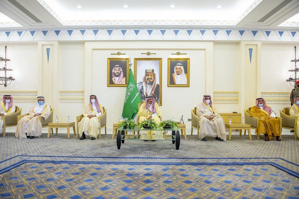أمير القصيم يلتقي وكلاء الامارة والمحافظين ويشدد على خدمة المواطنين على الوجه الأمثل