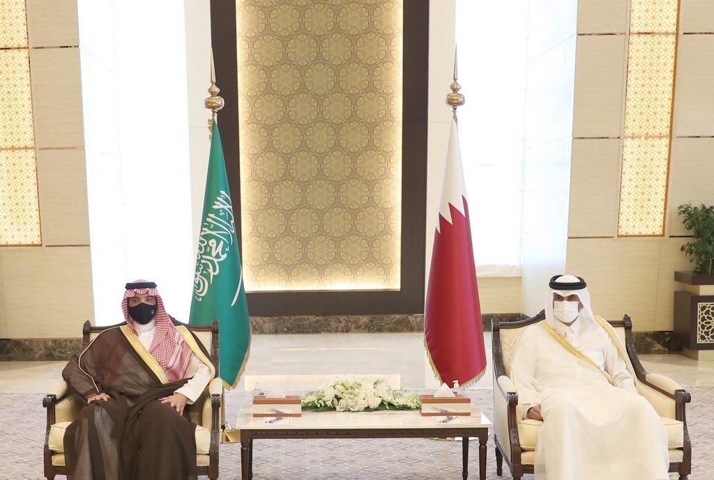 الأمير عبدالعزيز بن سعود يعقد جلسة مباحثات رسمية مع رئيس مجلس الوزراء وزير الداخلية بدولة قطر