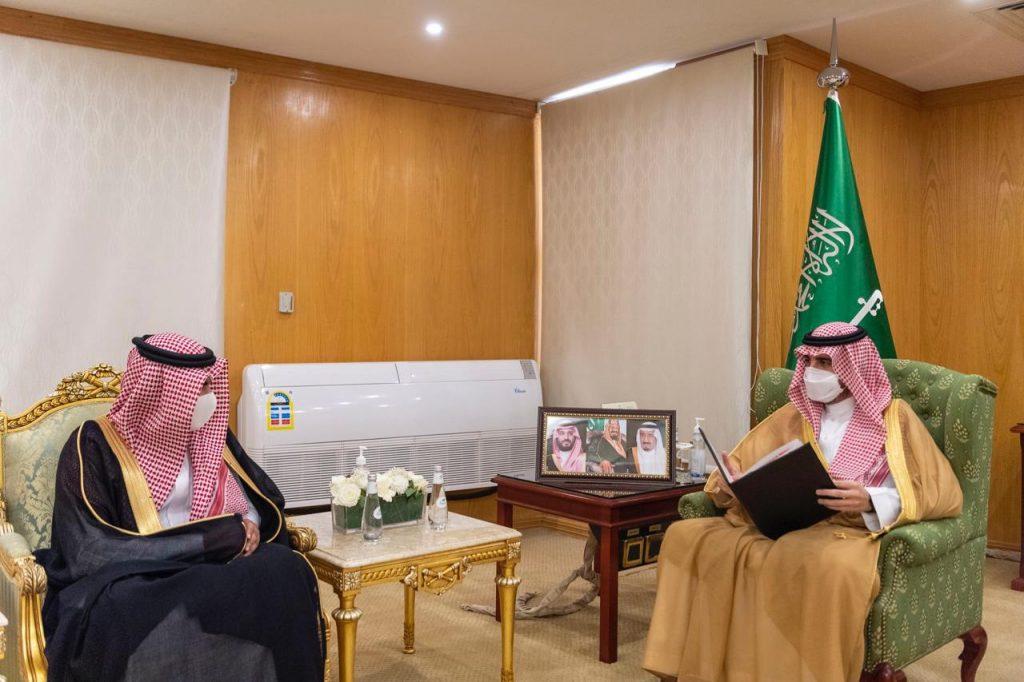 أمير الجوف يطلق مبادرة تدريب منسوبي الإمارة والجهات الأمنية على الإسعافات الأولية