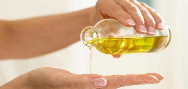 لا تخطر على البال.. 4 فوائد مذهلة لدهن الجسم بزيت الزيتون قبل النوم