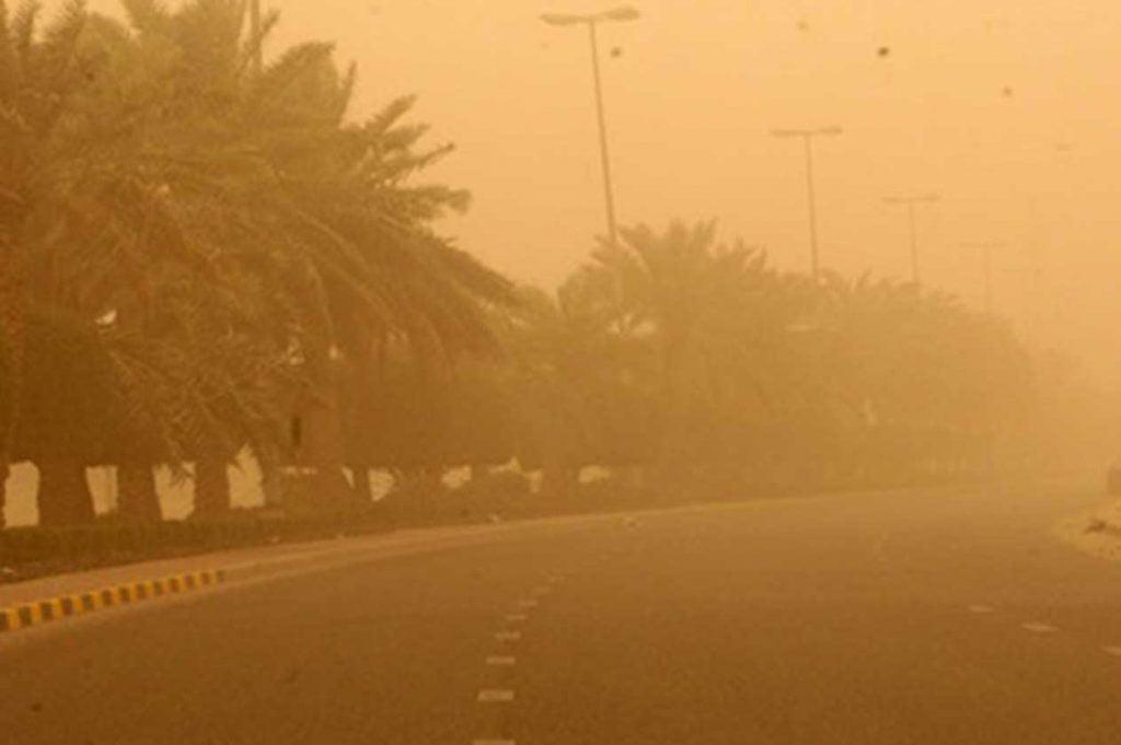 """""""الأرصاد"""": رياح نشطة وأتربة مثارة تضرب منطقة المدينة المنورة"""